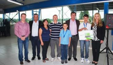 Sindicato entrega prêmios aos vencedores do I Concurso de Desenho e Redação